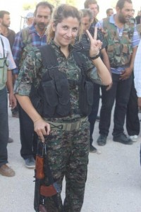 2013_Qalert_Kurd_female_fighter