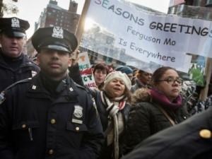 2013_Breitbart_new-york-police-ferguson-march-ap-420x315