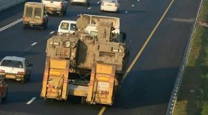 2011_Israel_North_Highway_Tanks