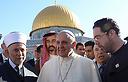2011_Ynetnews_Pope_Palestine