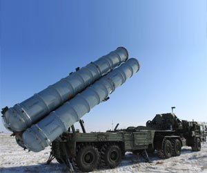 2016_DEBKA_Russia_S-500-missile-battery