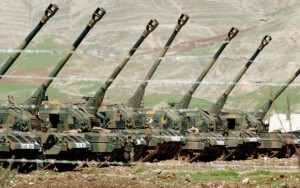 2016_DEBKA_Turkish-self-propelled_howitzers