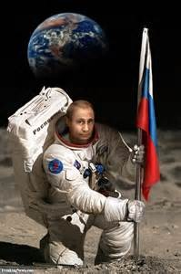 2016_drudge_russian_moon_base